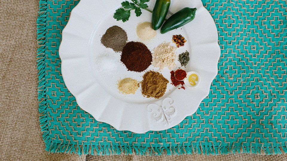 Homemade Paleo Taco Seasoning Recipe | Olive You Whole | Paleo Blog #paleo #paleoseasonings #paleorecipes #oliveyouwhole