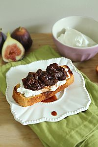Paleo Fig and Red Onion Chutney #figs #whole30 #whole30recipes #paleo #paleorecipes