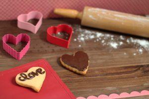 Valentine's Paleo Sugar Cookies #paleo #paleorecipes #paleosweets #delicious
