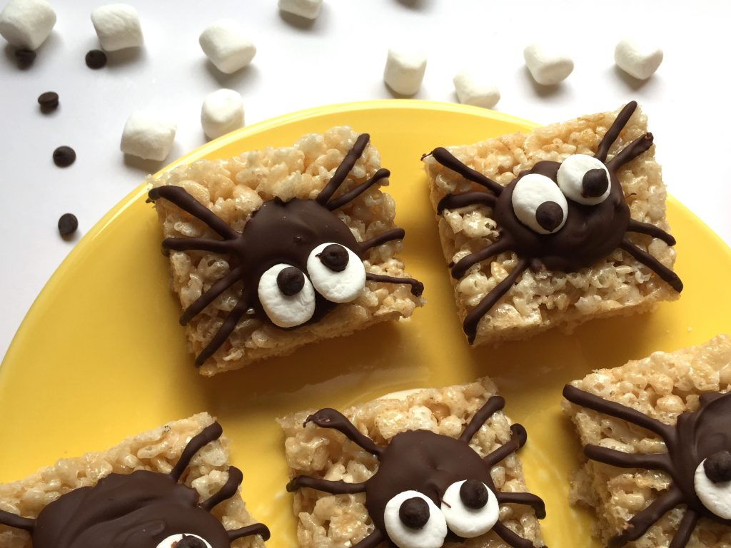 Easy Halloween Treats | Spider Rice Krispie Treats