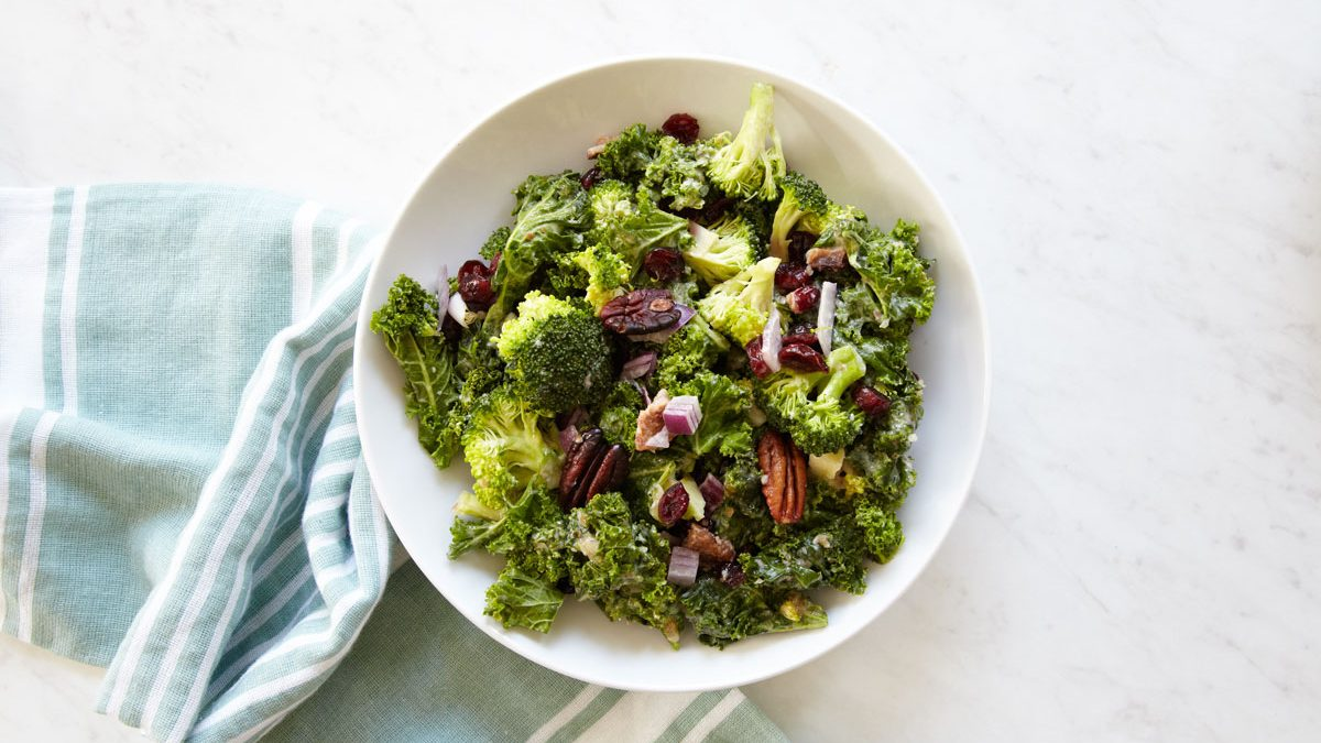 whole30-kale-broccoli-salad